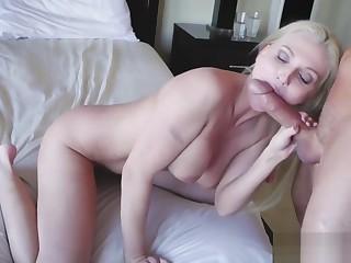 Jocelyns hot mandate mammy fucks duddy's daughter CV strokes game