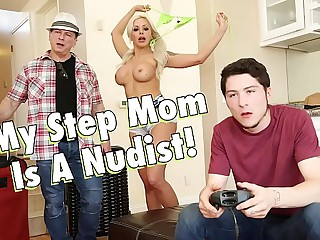 Reproachful Training - My Well-endowed Kermis Operation Mom, Nina Elle, Is A Nudist