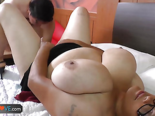 Old latina granny Rosaly enjoy huntsman mien