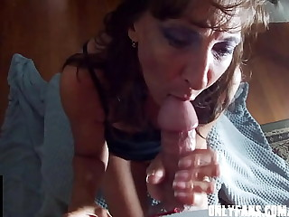 Sexy Milf  Marie Gives The Best Blowjobs