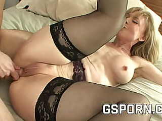 Sexy big titties cougar like the rough young dick